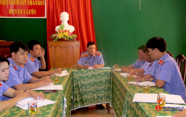 Buổi sinh hoạt thường kỳ tại Chi bộ Viện kiểm sát huyện A Lưới