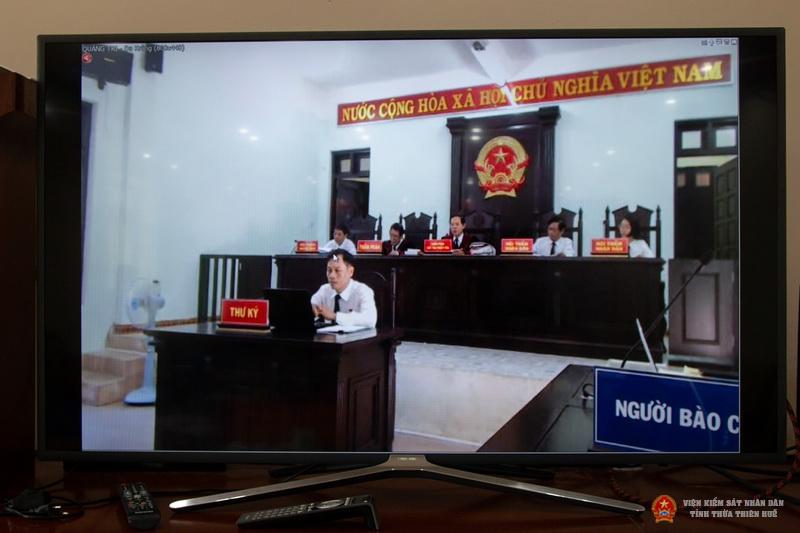 Hình ảnh tại đầu cầu trực tuyến TAND tỉnh Thừa Thiên Huế